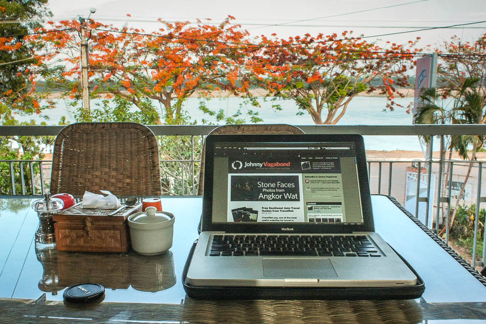 Pocket-Sized Gadgets for the Digital Nomad